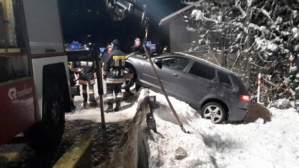 Auto ist ins schleudern geraten (Fotos: FF St. Christina)