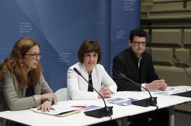 Patrizia Nogler, Lein Waltraud Deeg und Günter Sölva (Foto LPA rm)