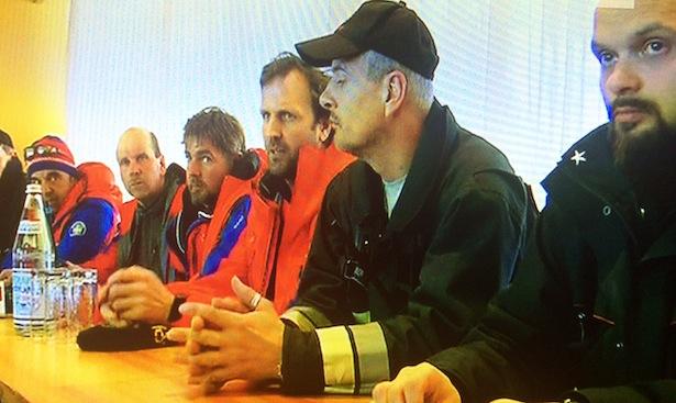 Die Pressekonferenz der Rettungskräfte (Screenshot Rai Südtirol)