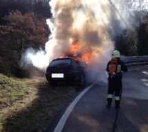Auto in Flammen
