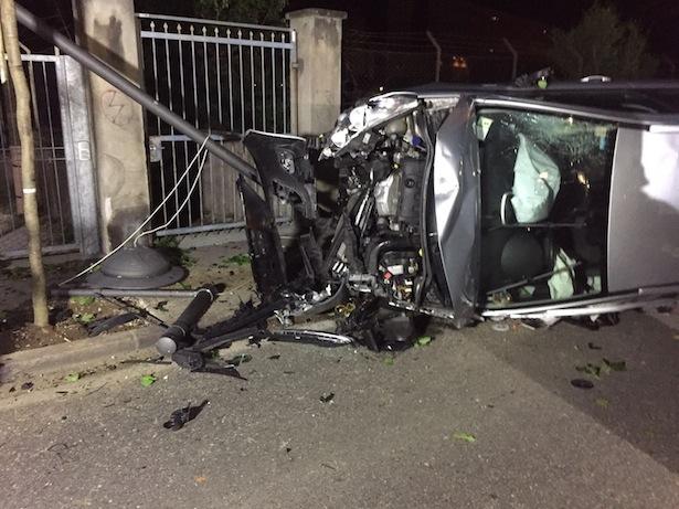 Der Unfallwagen (Fotos: FF Bozen)