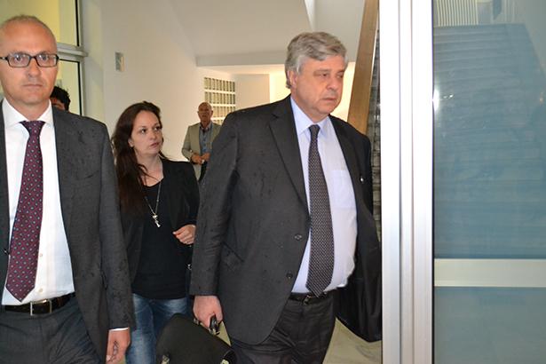 Ester Quici bei ihrer Ankunft im Gerichtspalast (Foto: Karl Oberleiter)