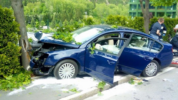 Der Unfallwagen (Foto: FF Latsch)