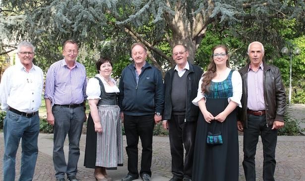 Der neugewählte Bundesausschuss des Südtiroler Heimatbundes: V. l. n.r.: Meinrad Berger, Roland Lang, Verena Obwegs, Sepp Mitterhofer Junior, Karl Anranter, Reinhild Campidell und Luis Pixner.