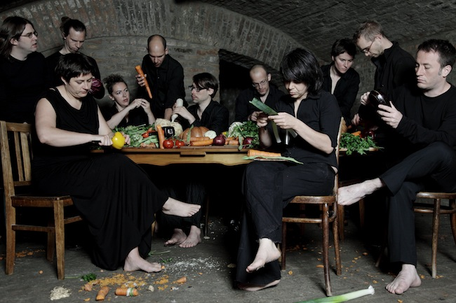 "Musik auf Gemüse: ""The Vegetable Orchestra"" in Meran (Foto: Zoe Fotografie)"