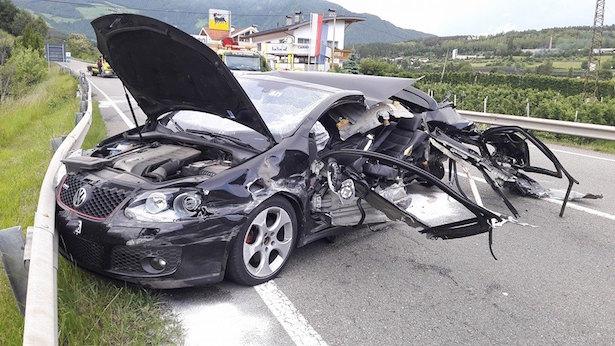 Schwerer Crash auf der Pustertalerstraße (Fotos: FF Schabs)