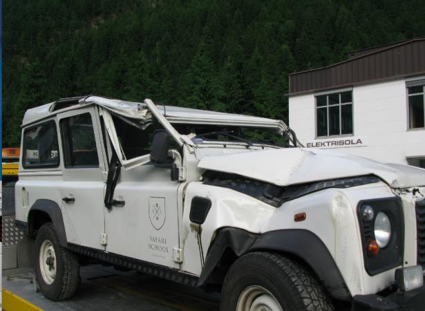 Der Unfallwagen (Fotos: FF Mühlen)