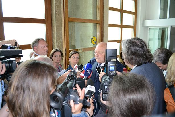 Alt-LH Luis Durnwalder am Samstag im Gerichtspalast (Fotos: Karl Oberleiter)