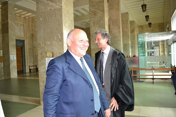 Alt-LH Luis Durnwalder mit seinem Anwalt Gerhard Brandstätter kurz nach der Urteilsverkündung