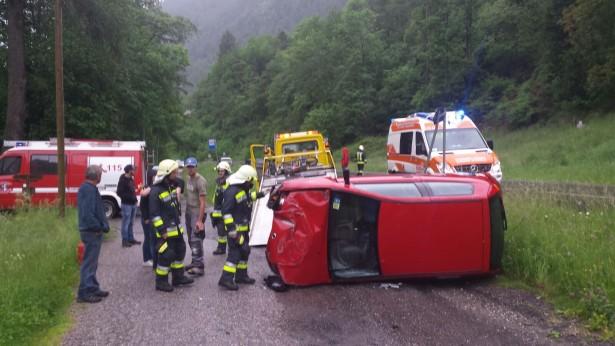 Der Unfallwagen (Foto: FF Katharinenberg)