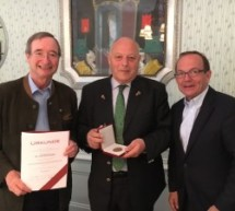 Ehrenmedaille für Durnwalder