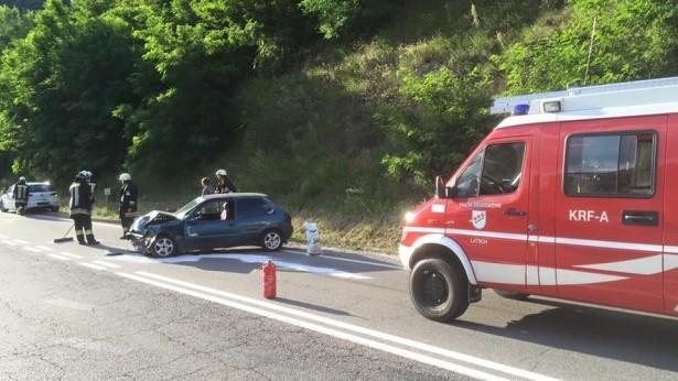 Ein Unfallwagen (Fotos: FF Latsch)