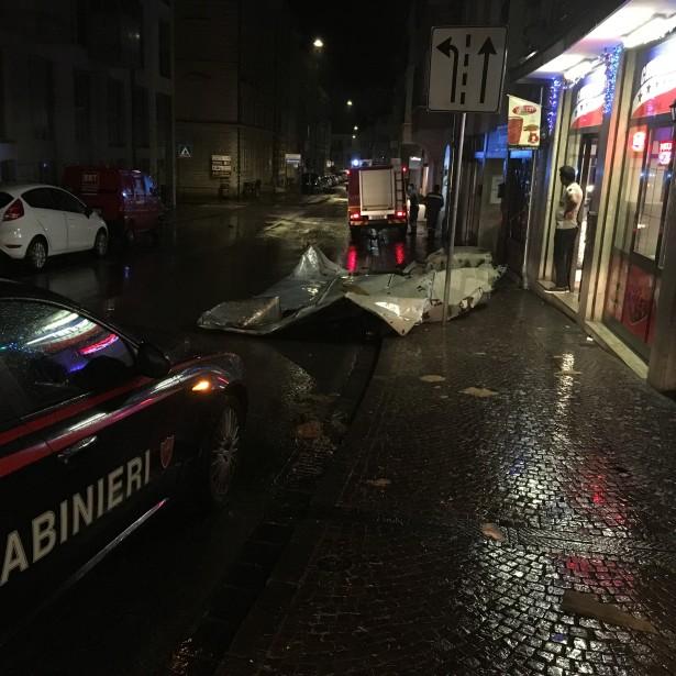 Der Feuerwehreinsatz in der Rosministarße (Foto: FF Bozen)