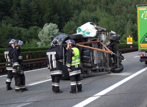 Der Unfall auf der Autobahn (Foto: FF Sterzing)