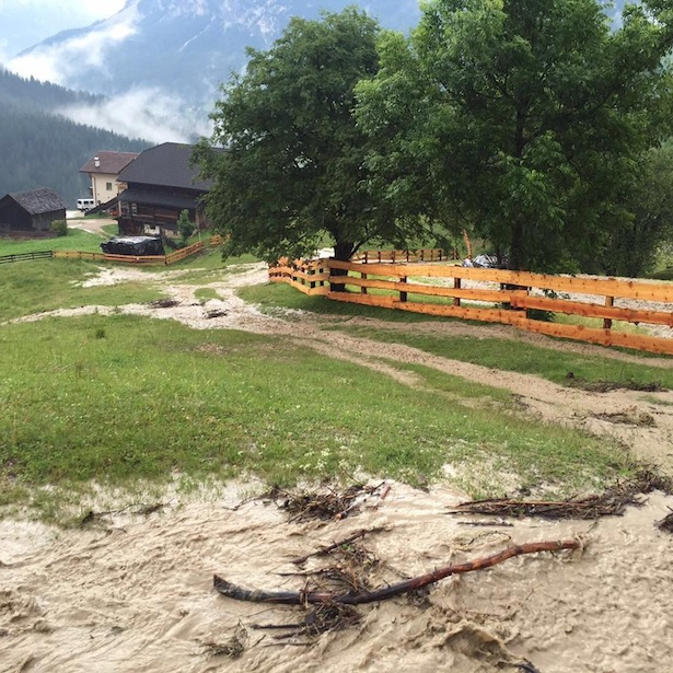 Überschwemmung in St. Kassian (Foto: FF St. Kassian)