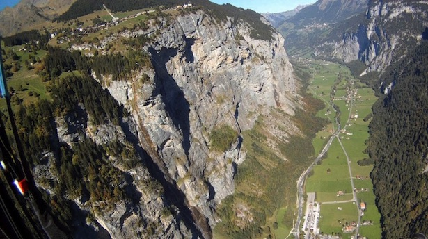 Die Mürrenfluh im Berner Oberland