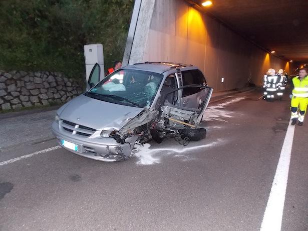 Eines der Unfallautos (Fotos: FF Welsberg)