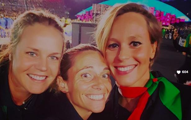 Karin Knapp (links) bei der Eröffnungsfeier in Rio
