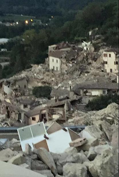 Die völlig zerstöre Ortschaft Amatrice (Foto: Rieti Life)