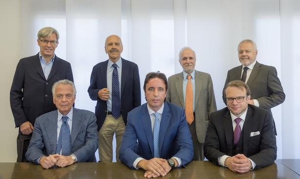 (Sitzend v.l.n.r.) Pietro Tosolini, Ingomar Gatterer, Christoph Perathoner. (Stehend v.l.n.r) Stefano Zanin, Karl Ferrari, Anton Pichler, Mariano Claudio Vettori