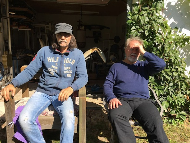 Max Leitner mit seinem Bruder Luis in Elvas kurz nach seiner Überstellung in den Hausarrest
