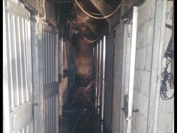 Der ausgebrannte Keller (Fotos: FF Bozen)