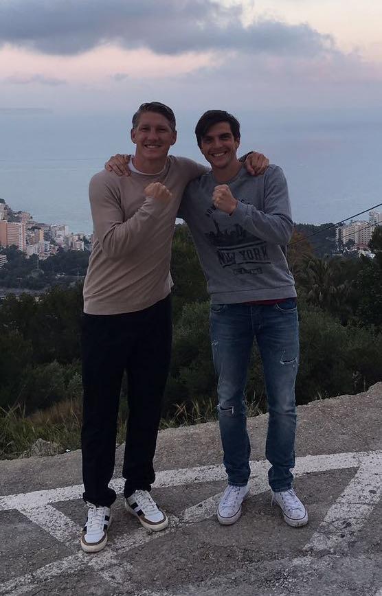 Simon Martinello mit Bastian Schweinsteiger