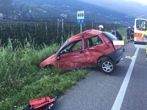 Unfall in Laag (Fotos: FF Salurn)
