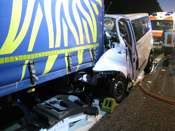 Schwerer Unfall auf der A22 (Fotos: FF Neumarkt)