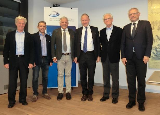 Vinicio Biasi, Oswald Eller, Heiner Oberrauch, Stefan Pan, Nikolaus Tribus und Direktor Josef Negri