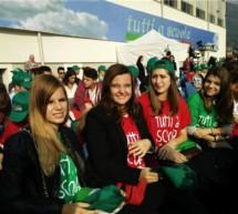 Schülerinnen bei Mattarella
