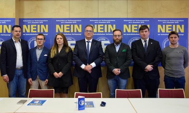 Vertreter der Lega und der Freiheitlichen auf der Pressekonferenz am Freitag