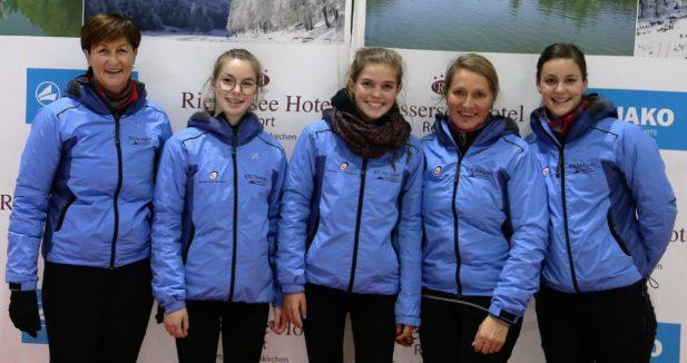 Die Mannschaft von Stegen: Annelies Huber, Lisa Dantone, Sophie Willeit, Maria Mair am Tinkhof und Marion Huber (von links)