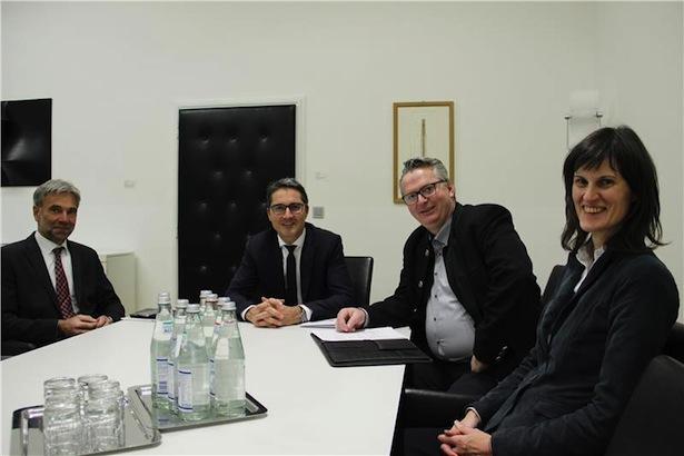 LR Arnold Schuler, LH Arno Kompatscher, Joachim Reinalter und Kaser