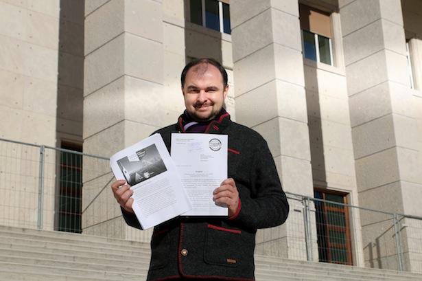Stefan Zelger vor dem Landesgericht