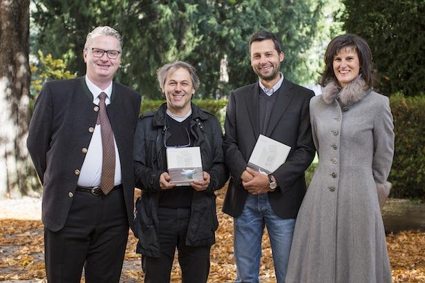 (v. l.) Joachim Reinalter, Obmann; Hans Karl Peterlini, Buchautor; J. Christian Rainer, Buchautor; Annemarie Kaser, Direktorin