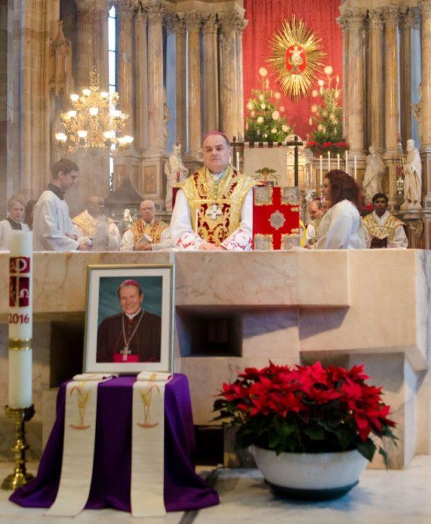 Gedenken an den verstorbenen Alt-Bischof Karl Golser