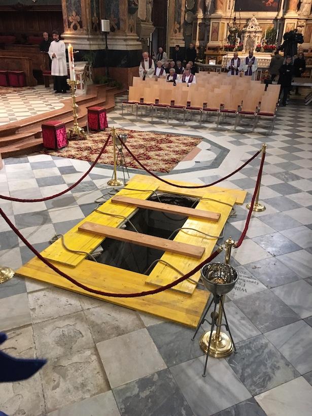 Das Grab für Bischof Karl Golser