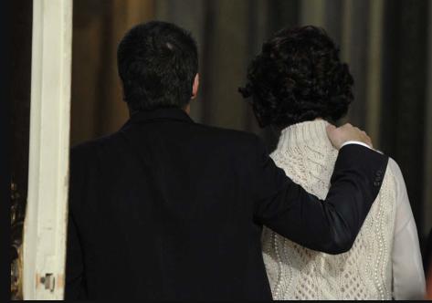 Matteo Renzi mit seiner Frau Agnese (Screenshot/la Repubblica)