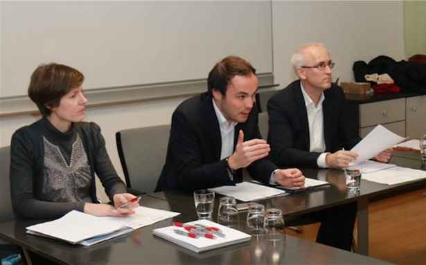 (v. l.) Gertraud Aschbacher, Direktorin Amt für Lehrlingswesen, LR Philipp Achammer und Hartwig Gerstgrasser, Direktor Bereich Deutsche Berufsbildung