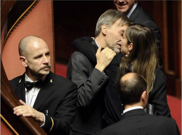 Die Minister Delrio und Boschi (Foto: Dagospia)