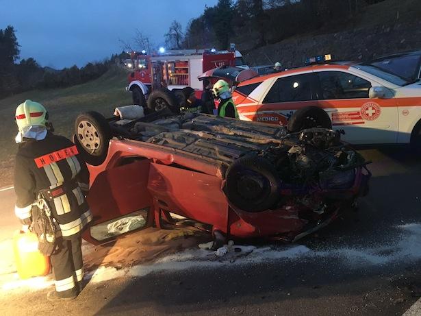 Der Unfallwagen (Foto: FF Aldein)