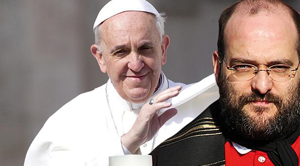 ARCHIV - Papst Franziskus gr¸?t am 23.04.2013 vor seiner Generalaudienz auf dem Petersplatz in Vatikanstadt. Foto:†Claudio Peri/dpa (zu dpa-Vorausmeldung: ´Papst empf‰ngt Zollitsch - Gespr‰che ¸ber Tebartz-van-Elstª vom 16.10.2013) +++(c) dpa - Bildfunk+++