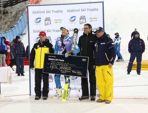 Kjetil Jansrud gewinnt die erste Südtiroler Ski Trophy und damit 20.000 Euro.