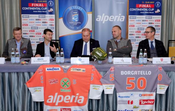 Die Pressekonferenz (Foto: Max Pattis)