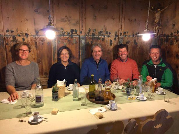 Sabine Tammerle, Emanuela Moro, Paolo Gentiloni, Walter Mair und ein Freund
