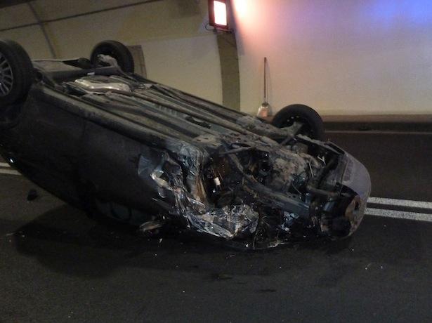 Eines der beiden Unfallautos (Fotos: FF Auer)