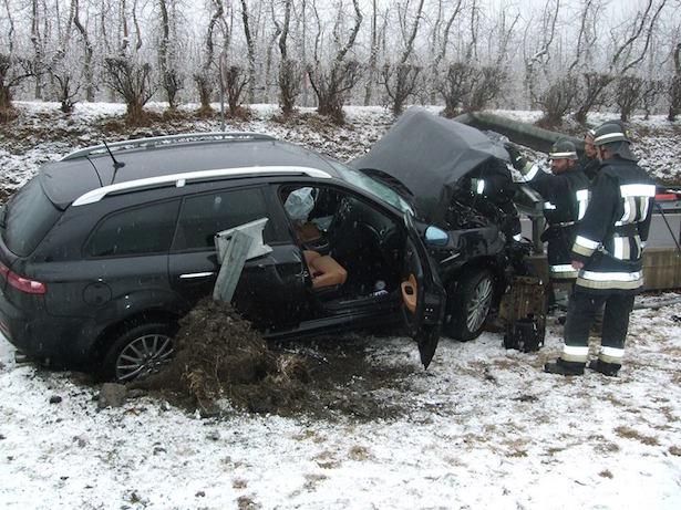 Spektakulärer Crash (Foto: FF Laas)