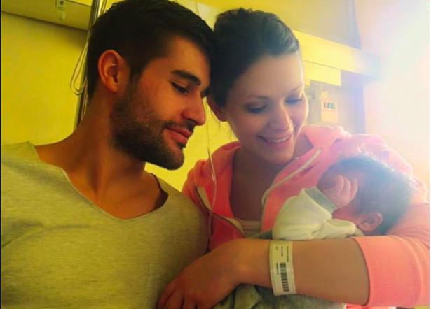 Anton Bernard und Petra Colafati mit dem kleine Ian