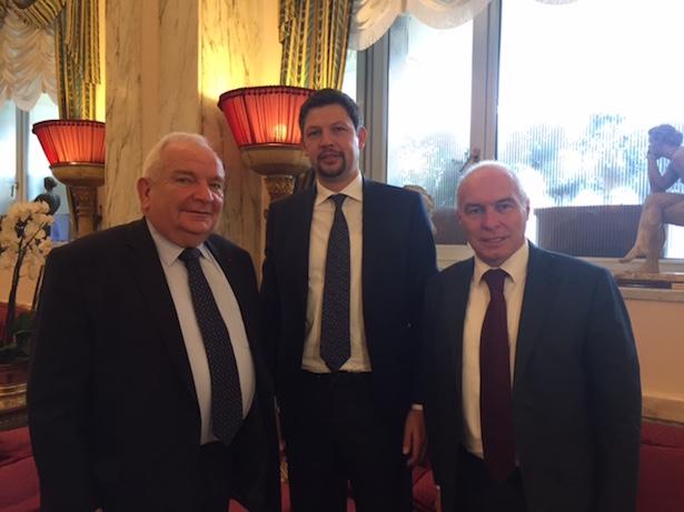 EVP-Vorsitzender Joseph Daul, SVP-K.Abg. Daniel Alfreider und PATT-Senator Franco Panizza